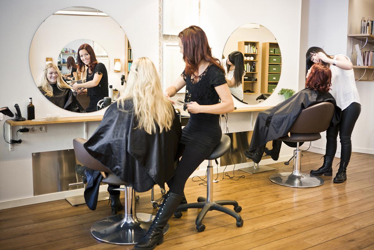 virtuelle Touren und Rundgänge in Salons wie Friseur und Kosmetik